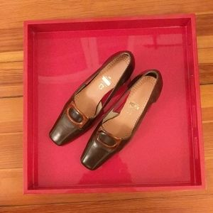 Brown Leather Heels w/ Tortoiseshell Buckle